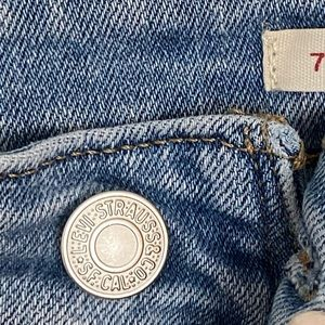 Levi's Jeans - Levi's 721 High Rise Ripped Jeans